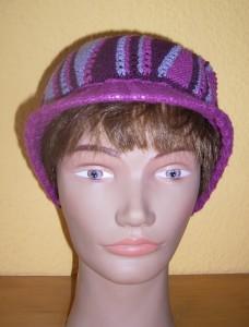 Mütze fertig Puppe vorne komp
